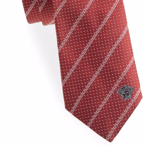 d58acb28 NWT Men's Versace necktie tie red silk geometric Boutique
